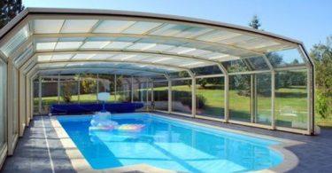 une-piscine-couverte